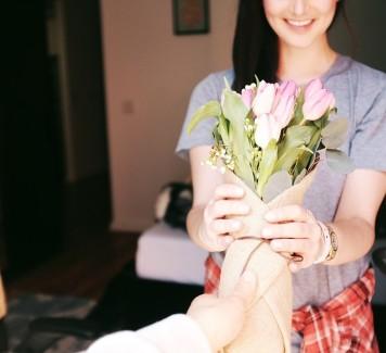Ordinare fiori online: un regalo a prova di galateo