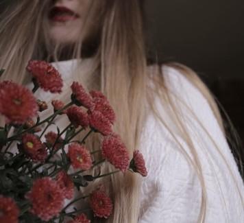 Perché regalare i fiori ad una donna è una buona idea