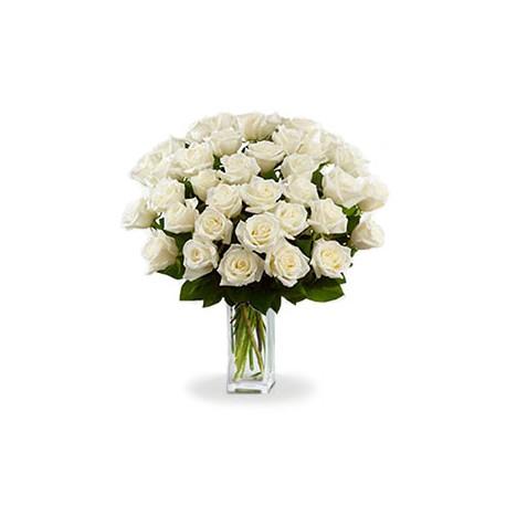 Famoso Mazzo a stelo alto di rose bianche DU75