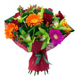 Buchet de gerbera,orhidee si trandafiri rosii