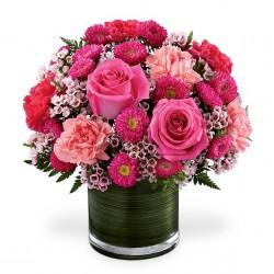 Belle composition avec des tournesols,des hortensias, roses...