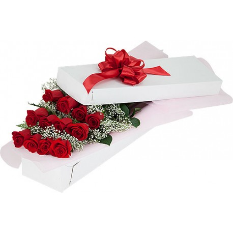 12 red Roses in a box, in the unforgettable excitement!