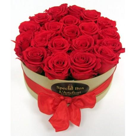 15 Rosas rojas en una caja, en la inolvidable emoción!