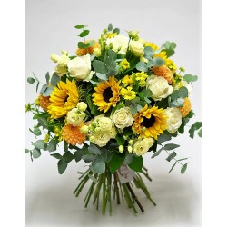 Bouquet of roses  gerberas and white flowers design.