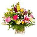 Composition glass mix seasonal flowers