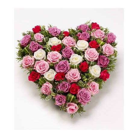 cuore medio di rose rosse,rosa,bianche e fuxia