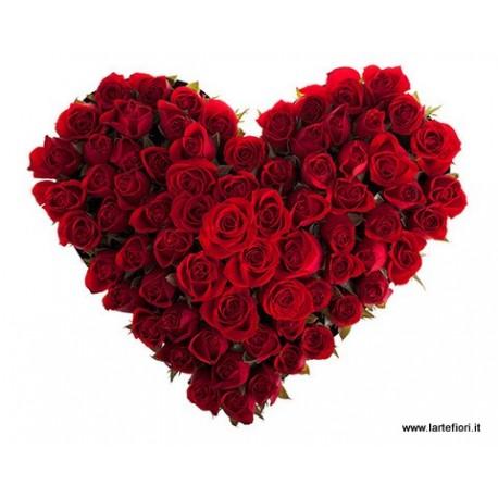 Cuore di 100 roselline rosse