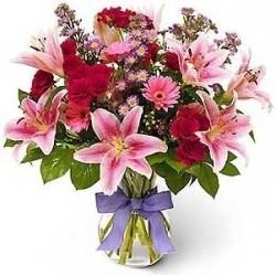 Mazzo di fiori dai toni rosa