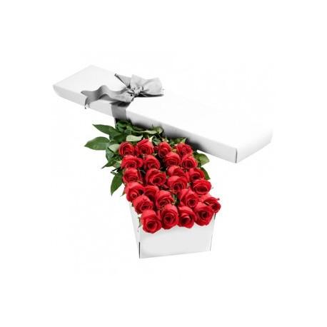 6 Roses rouges dans une boîte cadeau