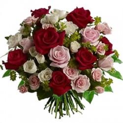 Buchet de trandafiri, se amestecă culoare