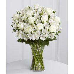 Una dozzina di rose bianche e alstromelie bianche