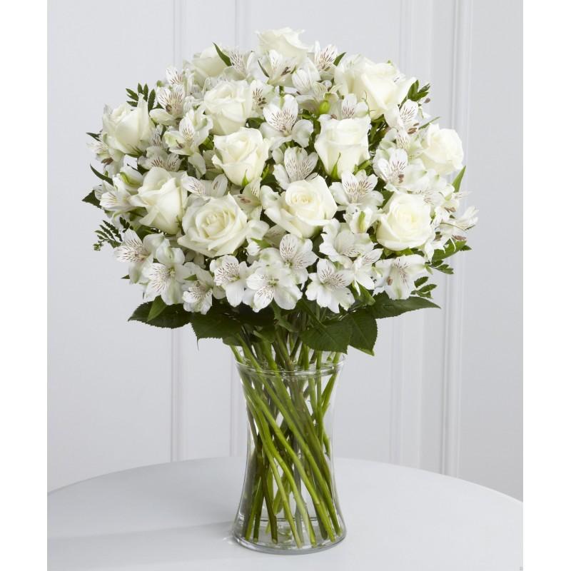 A dozen white roses and alstromelie white