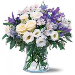Combinazione di rose-iris-garofani-alstroemeria