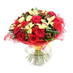 Bouquet de Roses, de Gerberas et les Orchidées