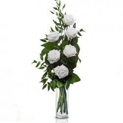 Bouquet of red roses, 6 white with green berries and leaves of green