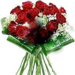 San Valentino2 - gran fascio di 40 rose rosse in fogli di verde