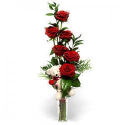 San Valentino7 -- 6 rose rosse con simpatico peluche in fogli di verde