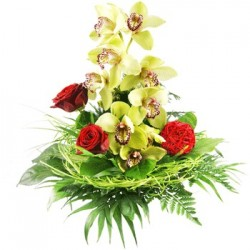 San Valentino8 - Bouquet con orchidee gialle e rose rosse