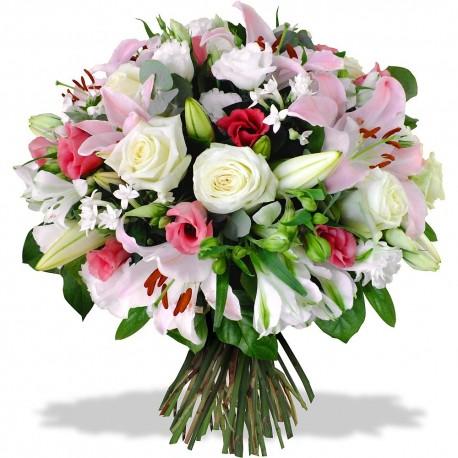 Rondò di fiori dai colori delicati.