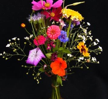 Consegna fiori a Roma: la cura nella composizione indica l'attenzione per il destinatario